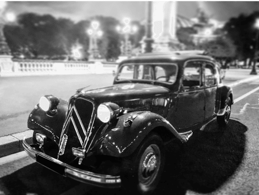 City tour Midnight in Paris with vintage car