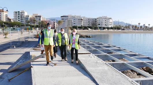 La pasarela peatonal del Puerto de Adra estará lista para verano