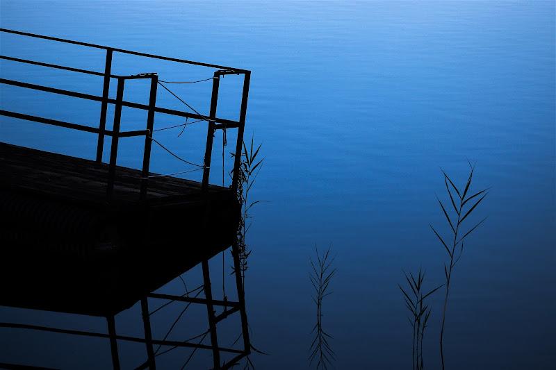 Il lago delle necessità di simoneribero