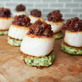Scallops with cranberry bacon jam #SundaySupper