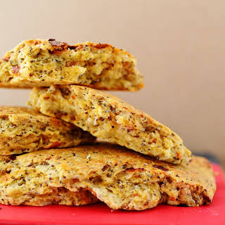 Easy No-yeast Bread With Sun-dried Tomatoes, Cheese And Chia Seeds.