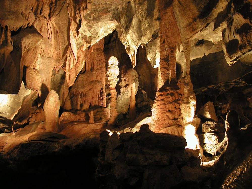 best-thrilling-activities-india-caving-meghalaya_image