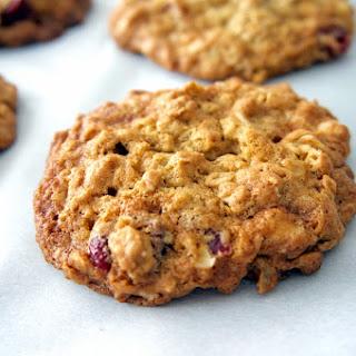 Oatmeal Craisin White Chocolate Cookies