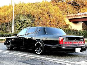 タウンカー  97年式 のカスタム事例画像 97 Lincoln  Town Carさんの2019年11月21日10:05の投稿