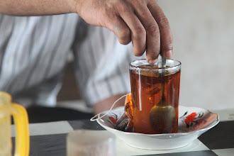 Photo: Arbatos kavos tradicijos keičiasi nuo regiono prie regiono. Iki pat Tailando ir Indonezijos, mes daugiausiai gerdavome juodą arba žaliąją arbatas.   The tea coffee tradition widely varies from the region to region. Up to Thailand and Indonesia, we mostly drank black or green tea.