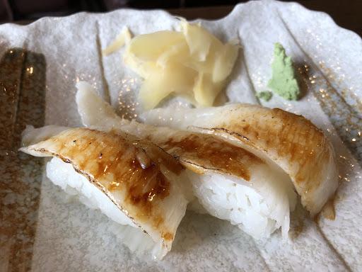 居家式壽司店 價位中等,用餐環境、食物品質都在中上,很不錯