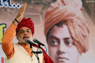 Photo: Narendra Modi takes a dig at Nitish Kumar during his poll rally, announces sops http://t.in.com/9rZN
