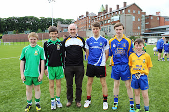 Photo: CPN hurler Feargal Murphy with friends and Mickey Harte