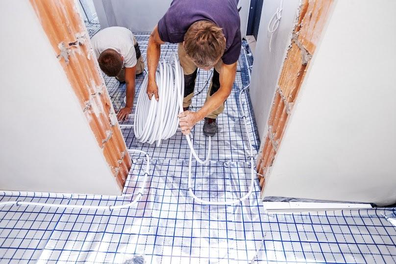 Ogrzewanie podłogowe to coraz częściej stosowane rozwiązanie we wnętrzach