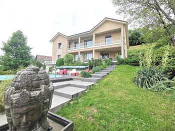 villa à Bilieu (38)