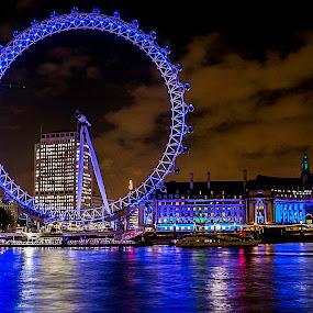 London Eye by Nizam Akanjee - Buildings & Architecture Public & Historical ( london eye, world's tallest ferris wheel, millennium wheel, 1999, night, lights, , city )