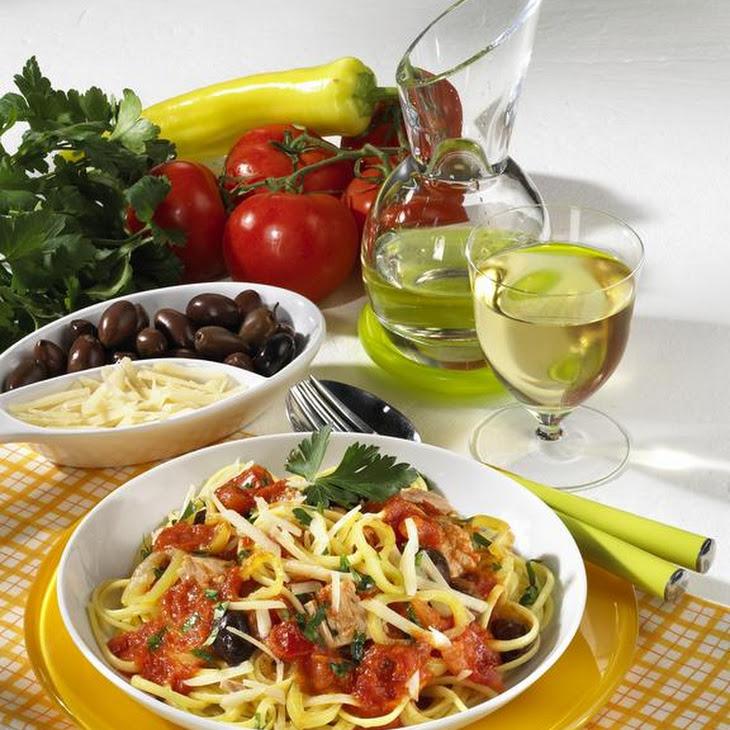 Linguine with Tomato and Tuna Sauce