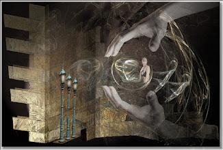 Photo: 2007 11 20 - R 06 09 14 137 d1 - D 095 - Juchnelda und die schützenden Hände