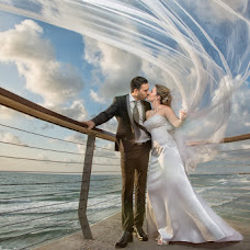 Wedding photographer Olga Vayslev (DEOL). Photo of 03.09.2016