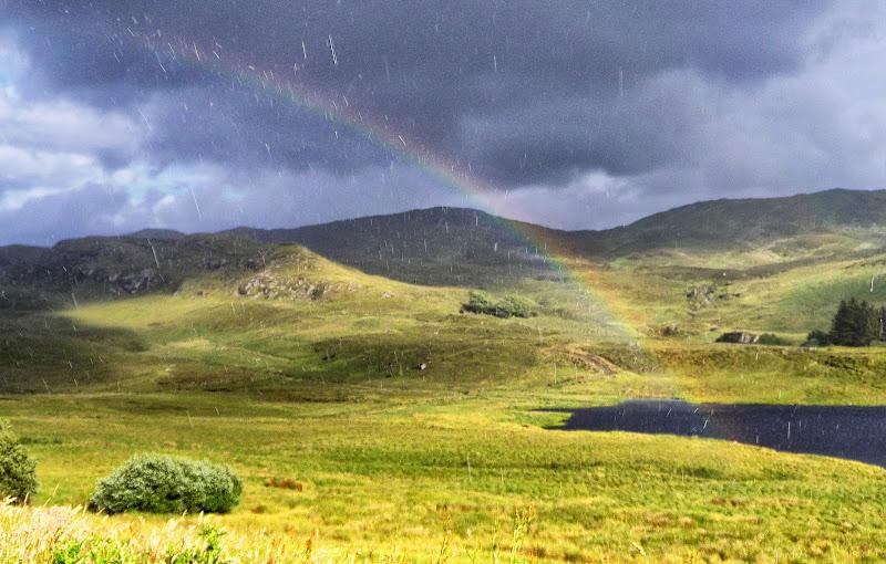La pioggia e l'arcobaleno di Roberto Simonazzi