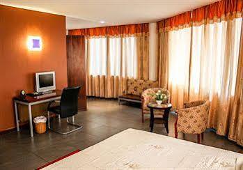 Maxlot Hotel