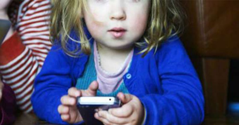 6 Important Reasons Why Children Under The Age of 12 Should Not Use Handheld Devices