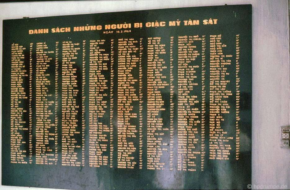 Đài tưởng niệm Mỹ Lai: Tấm đài tưởng niệm với tên của người bị giết