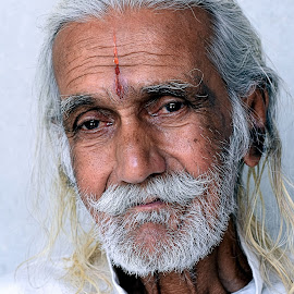 Muche ho too Nathulal jaisa by দ্বিজেন মহন্ত - People Portraits of Men ( old, emotional, emotions, old man, portrait, emotion, portrait of old man )