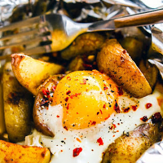 Indian Spiced Baked Potato and Egg Foil Packets {Gluten Free, Paleo Friendly}