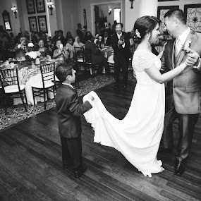 First Dance Helper by Trey Amick - Wedding Bride & Groom ( blackandwhite, wedding photography, monochrome, black and white, wedding, wide angle, fujifilm, fuji, dance,  )