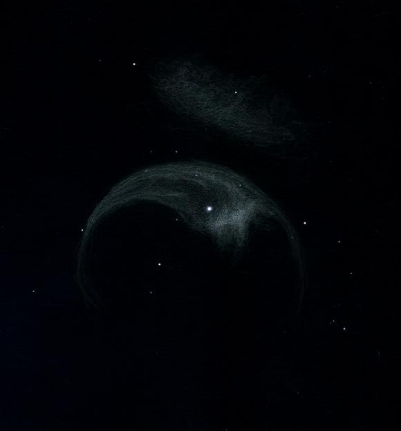 """Photo: NGC7635, """"la nébuleuse de la bulle"""", dans Cassiopée. Vue dans le T1000 de Stellarzac le 22/08/2012 à un grossissement de 285X, par excellent seeing et avec un filtre OIII."""