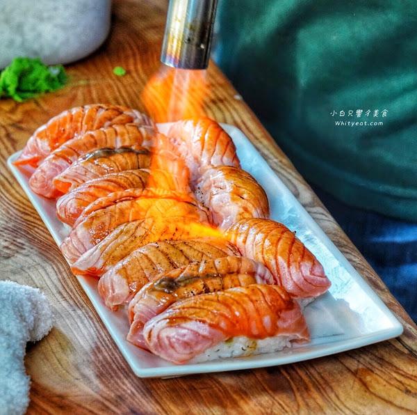 炙燒鮭魚壽司一貫25元!鮭魚厚實又大塊 有免費味噌湯/飲料 東區平價日式料理– 府連壽司