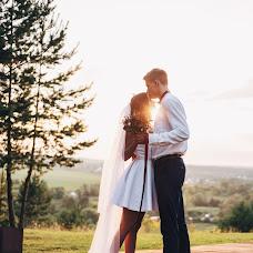 Wedding photographer Yulya Kamenskaya (kamensk). Photo of 11.02.2018