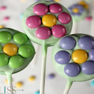 Oreo Cookie Pops That Will Make You Think of Spring.