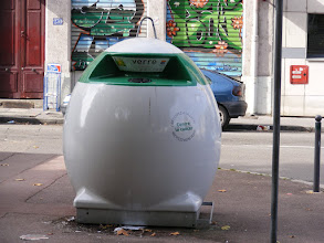 Photo: In France, even trash containers have to be trendy.