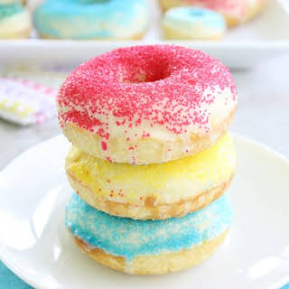 Simple Baked Cake Doughnuts.