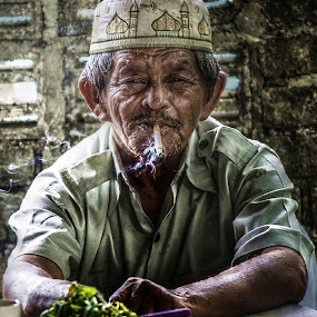 old again by Ibnu Zakaria - People Portraits of Men