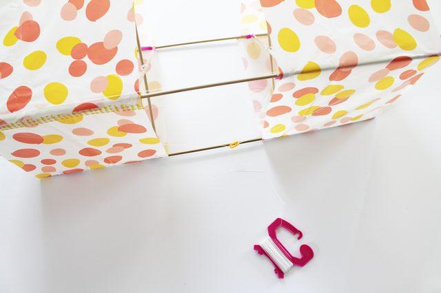 Воздушный змей в форме коробки своими руками