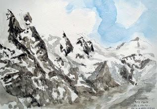 Photo: ツェルアムゼー2 オーストリアの最高峰グロースクロックナー(3797m)の展望台へ行く観光バスに乗る。1935年に完工したというこの山岳道路は、氷河や雪渓を右に左に見ながらアルプスの威容を楽しめる。フランツ・ヨーゼフ・ヘーエの展望台でビールを飲みながらグロースクロックナーと氷河をスケッチ。