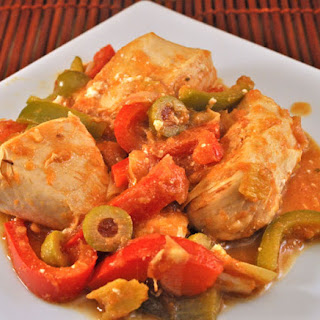 Skillet Chicken with Peppers and Olives