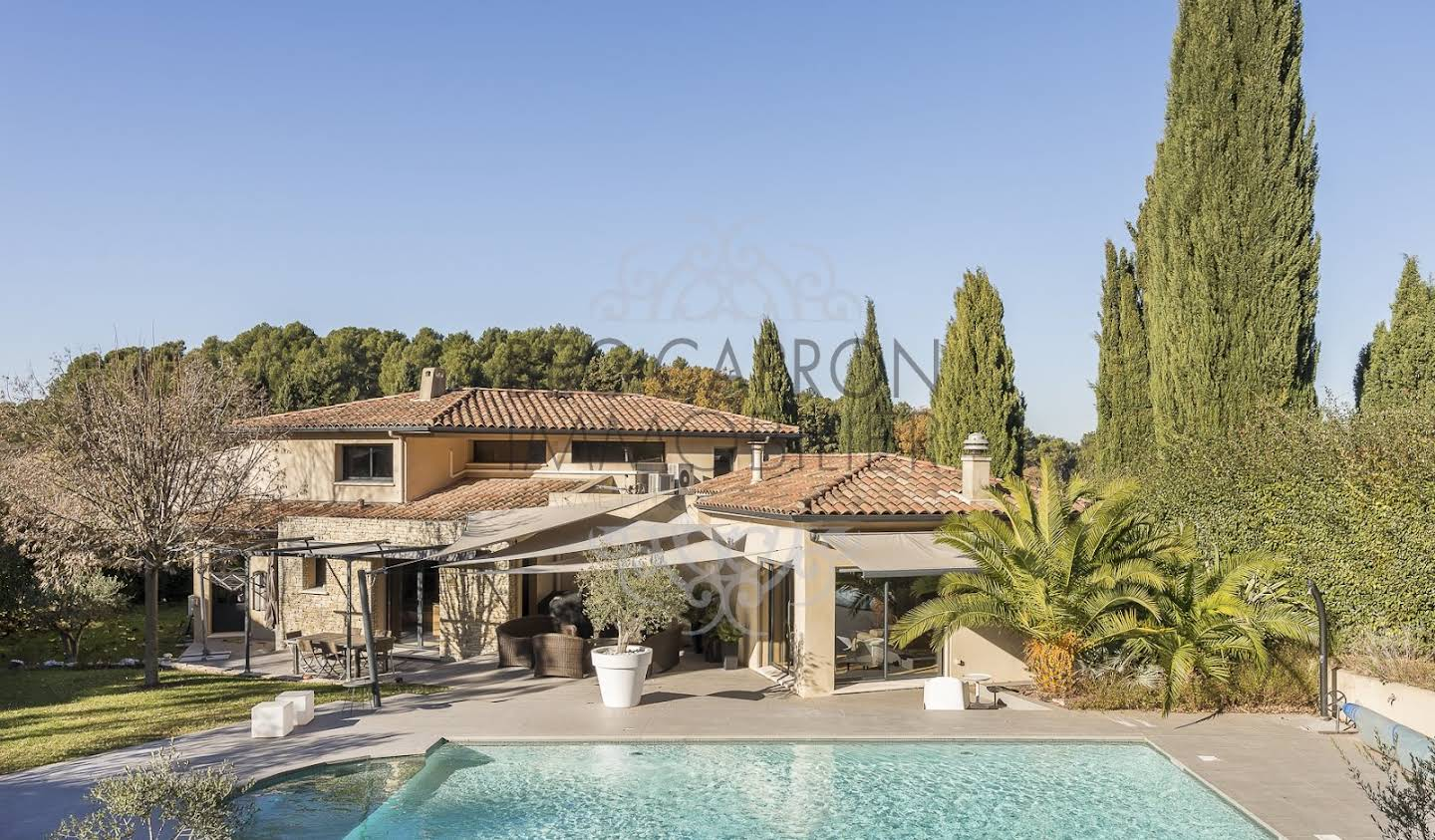 House with pool and terrace Aix-en-Provence