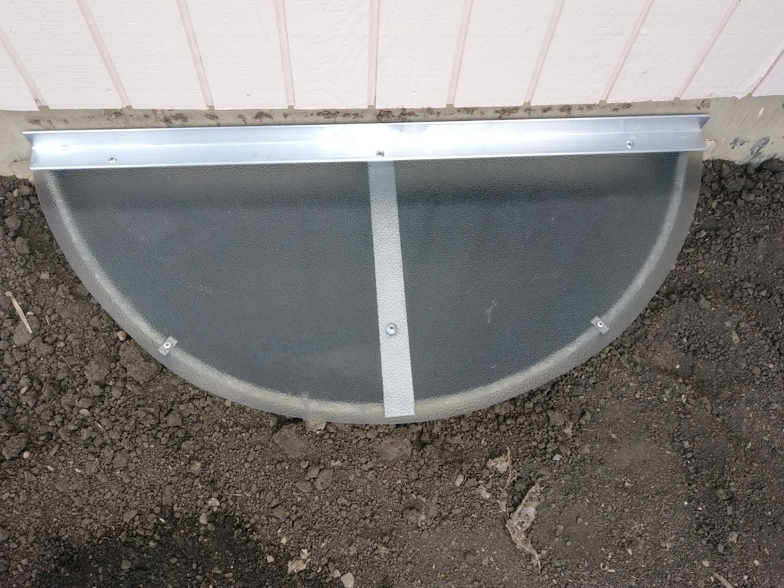 Mundelein, IL-HandyManny Custom Window Well Covers