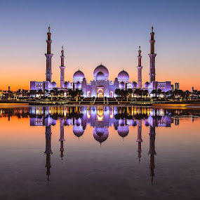 The Sheikh Zayed Grand Modque by Rene Timbang - Buildings & Architecture Places of Worship ( #architecture #beautiful #landscape #mycapture #explorethecity #grandmosque )