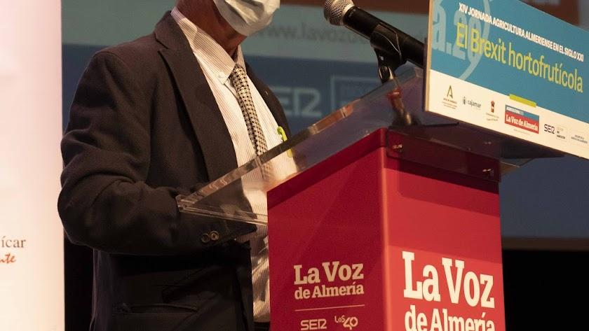 Antonio Fernández Compán, redactor jefe y coordinador del Anuario.
