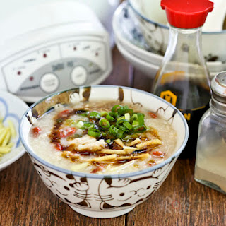 Slow Cooker Rotisserie Chicken Congee