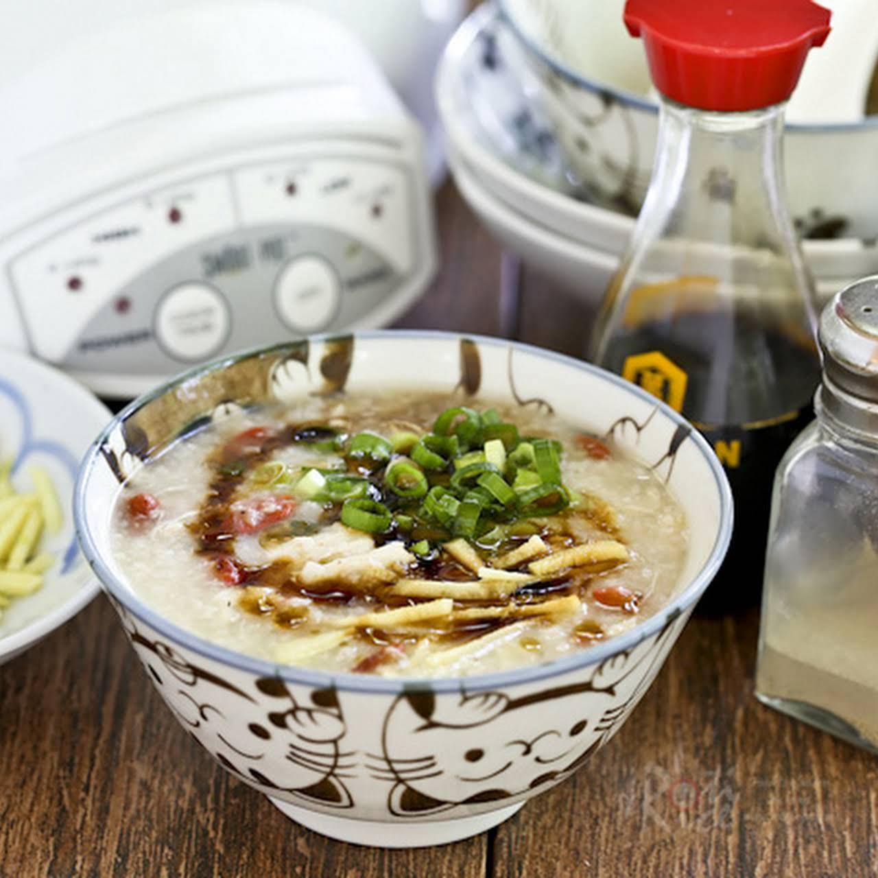 Slow Cooker Rotisserie Chicken Congee