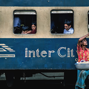 Tale Of A Terminal : Window Shopping by Rahat Amin - People Street & Candids ( frame, faces, railway, window, station, photojournalism, lifestyle, train, documentary, shopping, nikon, d5100 )