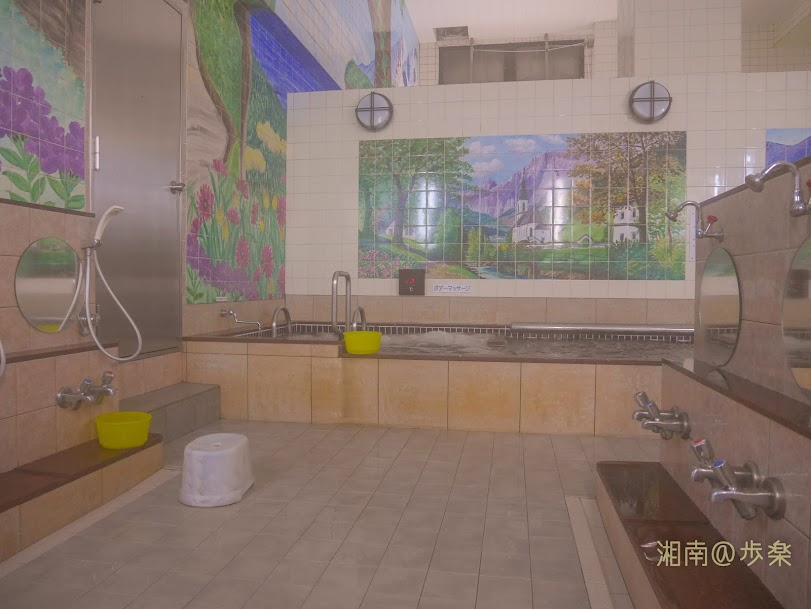 浴場タイルは洋風画、入浴層は何かしら泡バス仕様