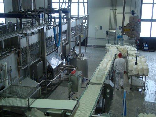 De fabriek is heel erg geautomatiseerd.