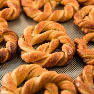 Sugar and Cinnamon Crescent Roll Pretzels