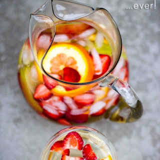 The Tastiest (& easiest) White Sangria & Virgin Sangria.