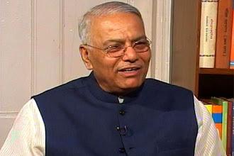 Photo: Pranab, Chidambaram let economy decline: Yashwant Sinha http://t.in.com/bp79