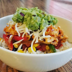 Burrito Bowl with chicken and Guacamole