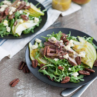 Arugula Flank Steak Salad with Pears and Blue Cheese.