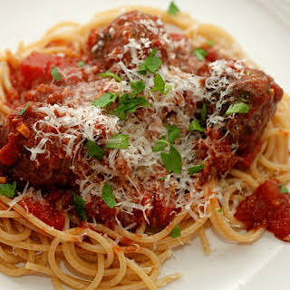 Slow Cooker Meatballs with Spaghetti Sauce.